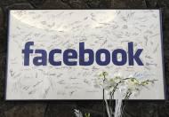04-02-2004: Lanzamiento red social Facebook