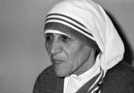 26-08-1910: Nacimiento de Teresa de Calcuta